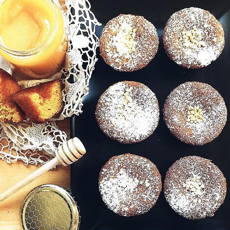 muffin al miele e granella di nocciole