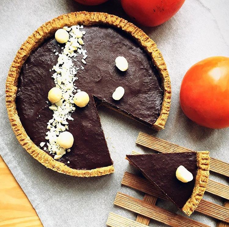 crostata con gelèe di cachi e ganache al cioccolato