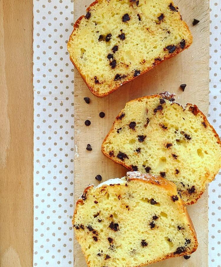Plumcake soffice con ricotta e gocce di cioccolato