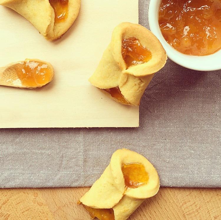Biscotti Di Natale Con Marmellata.Biscotti Fiocco Al Burro Con Marmellata Sweets Beauty