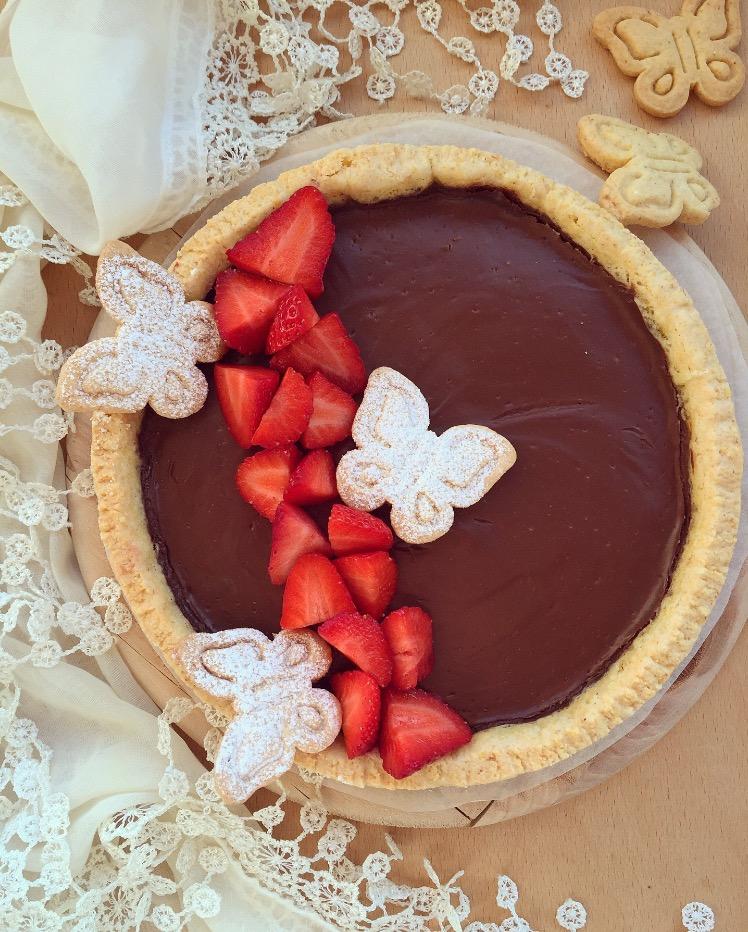 crostata con crema vegana al cioccolato