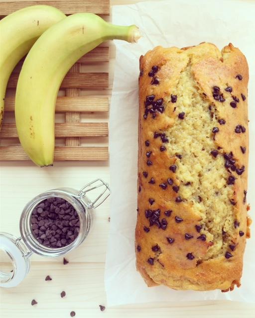 banana bread con gocce di cioccolato fondente