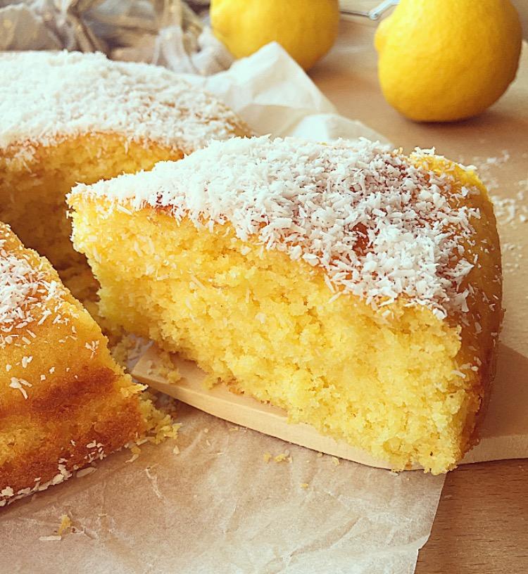 torta al cocco limone e yogurt