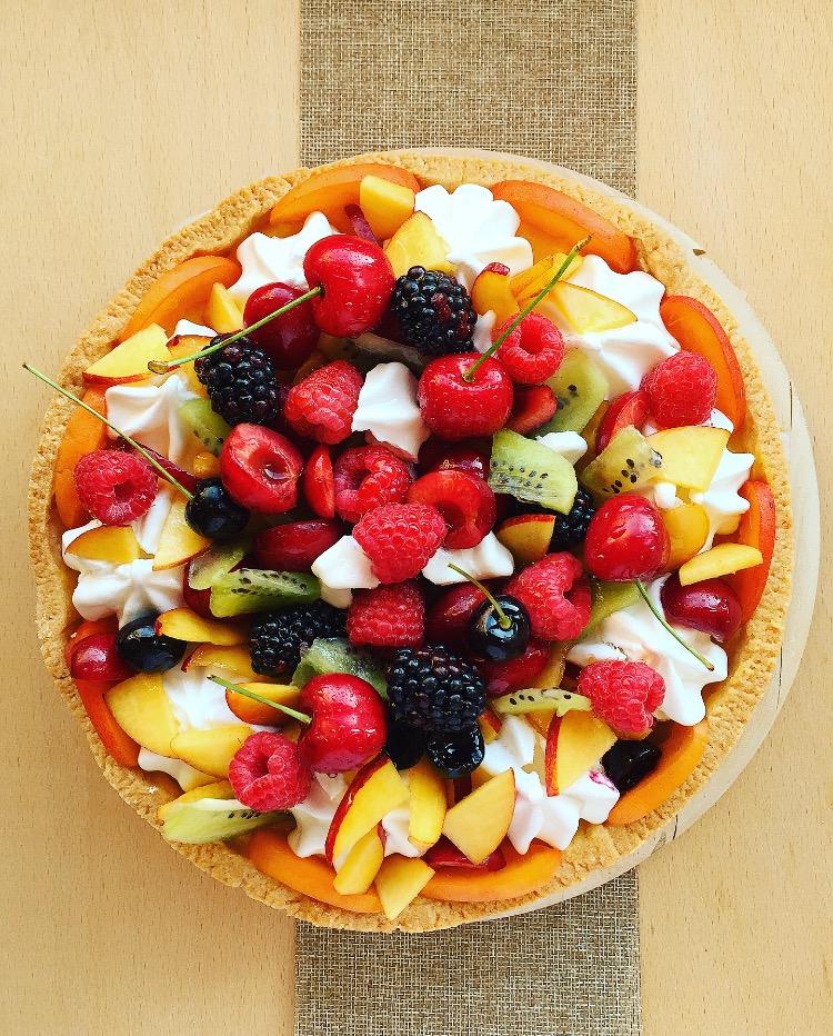 crostata di frutta con lemon curd e meringhe