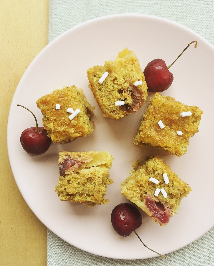 torta integrale con mele e ciliegie