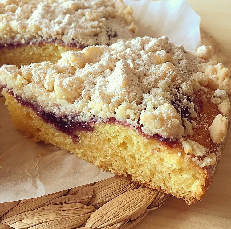 Torta crumble con marmellata di mirtilli ricetta