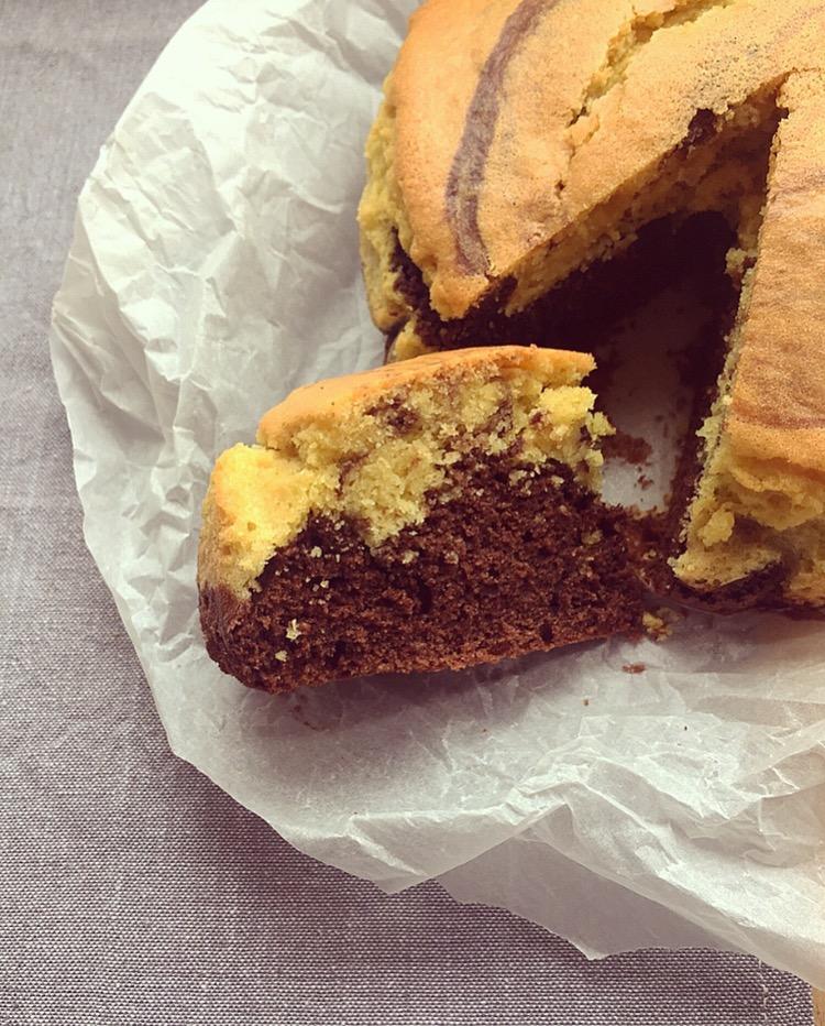torta bicolore al cacao e vaniglia