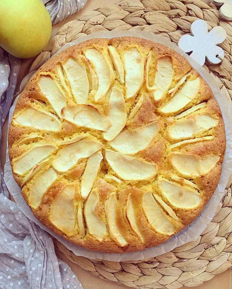 torta di mele della nonna soffice e golosa