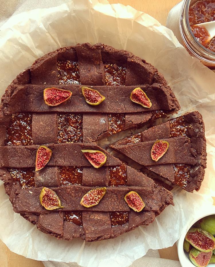 crostata al cacao con marmellata di fichi