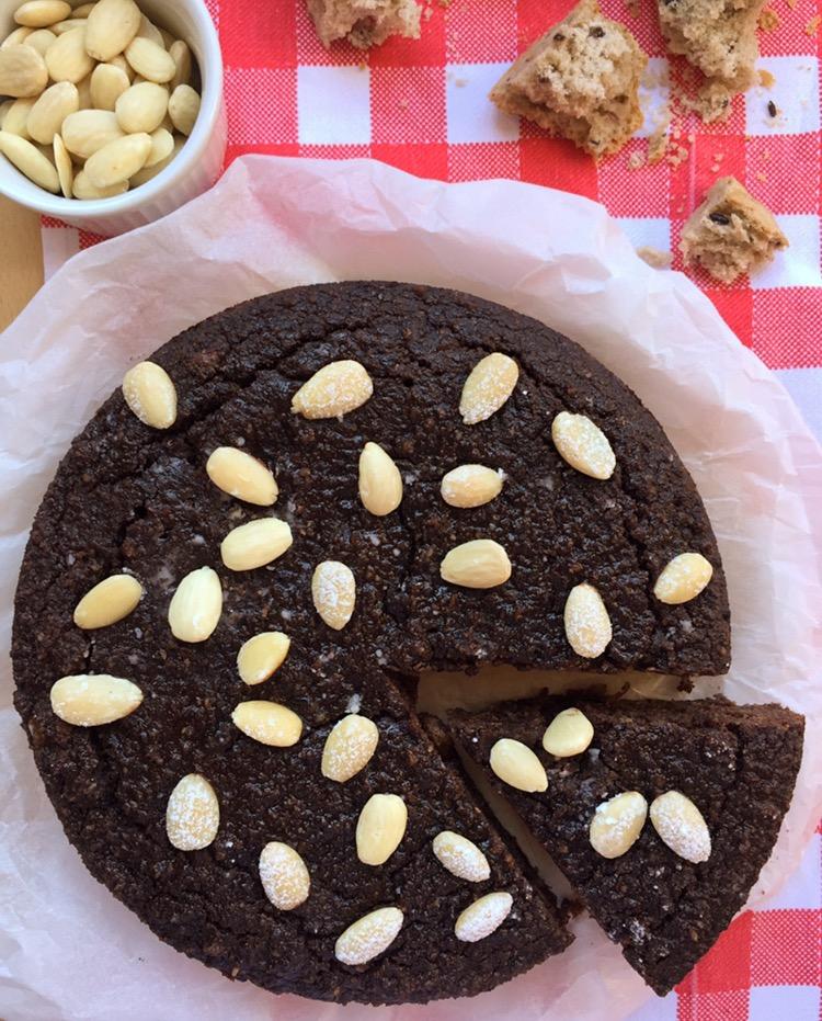torta di pane al cacao e mandorle