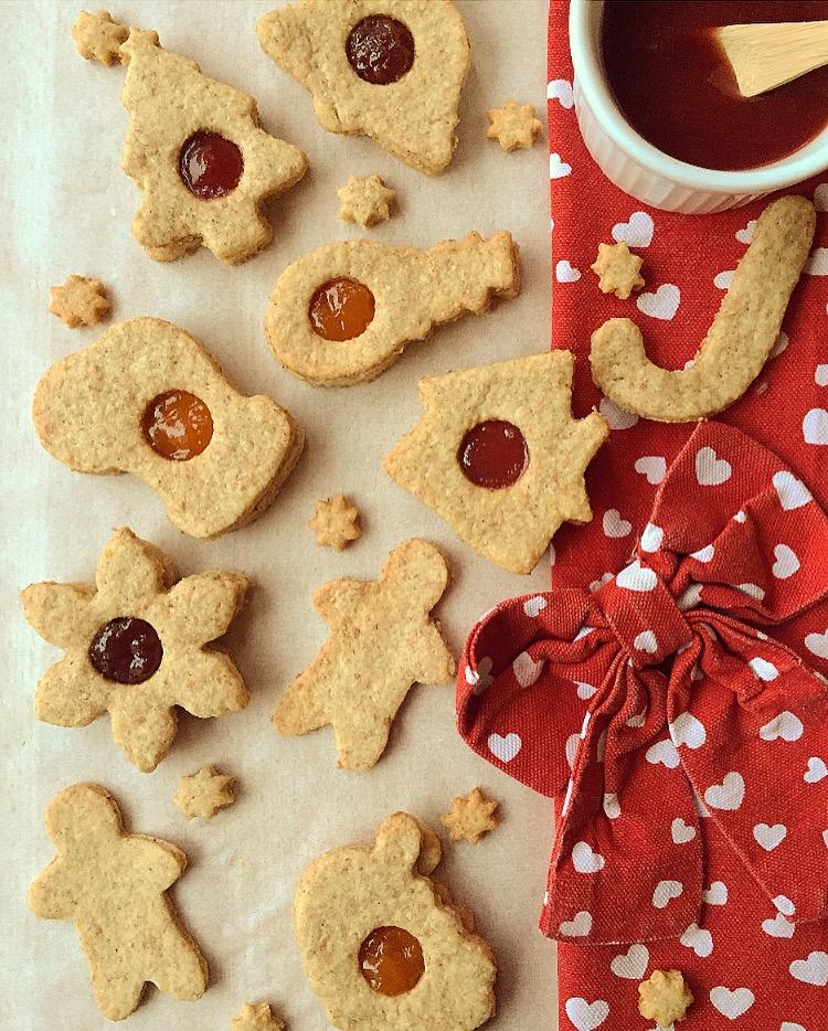 Biscotti di Natale semi integrali alla cannella