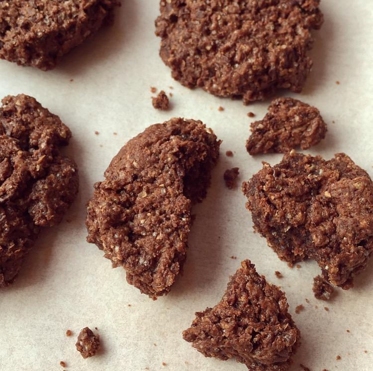 cookies vegani al cioccolato e cannella