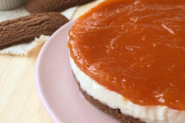 torta fredda di ricotta e marmellata di albicocche