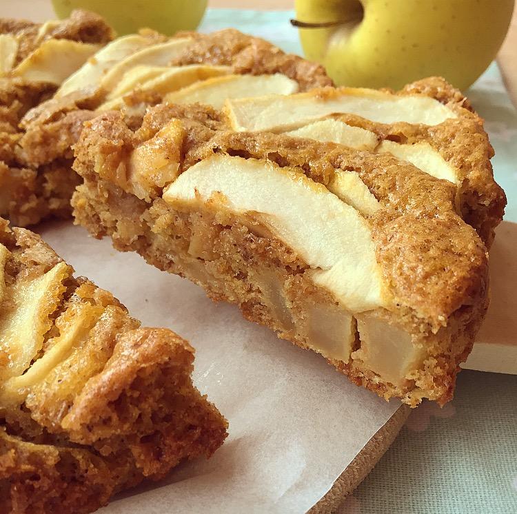 Torta integrale di mele senza burro e senza olio