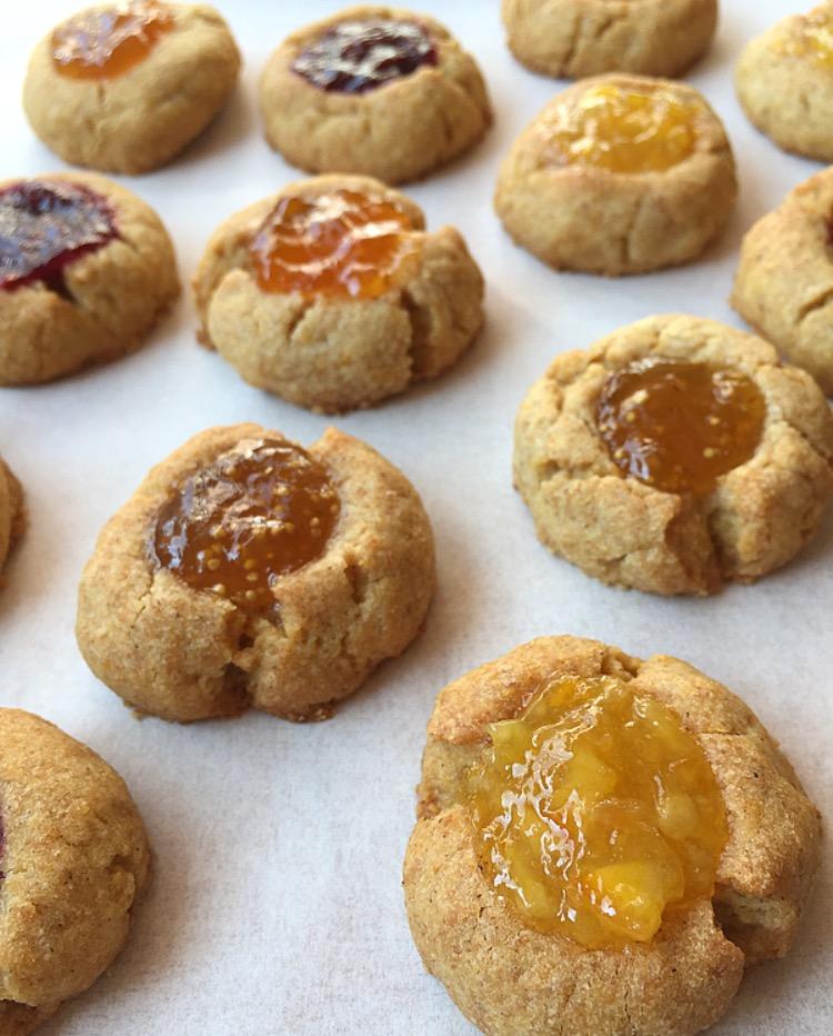 thumbprint cookies semi integrali alla marmellata