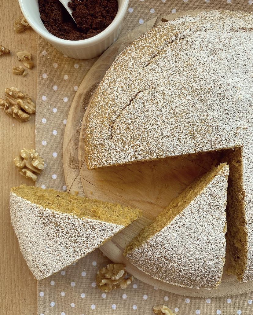 Torta soffice al caffè e noci