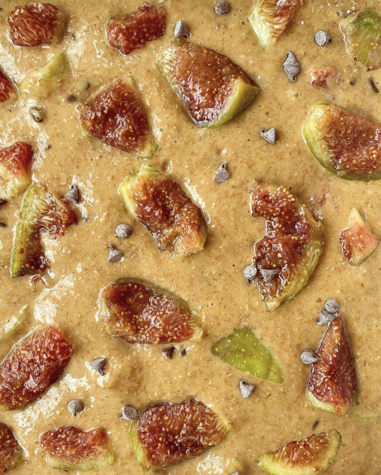 Torta integrale di fichi con gocce di cioccolato
