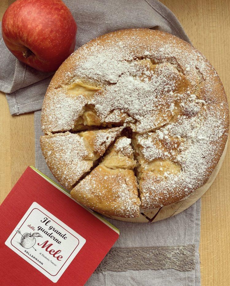 Torta alla vaniglia ripiena di mele