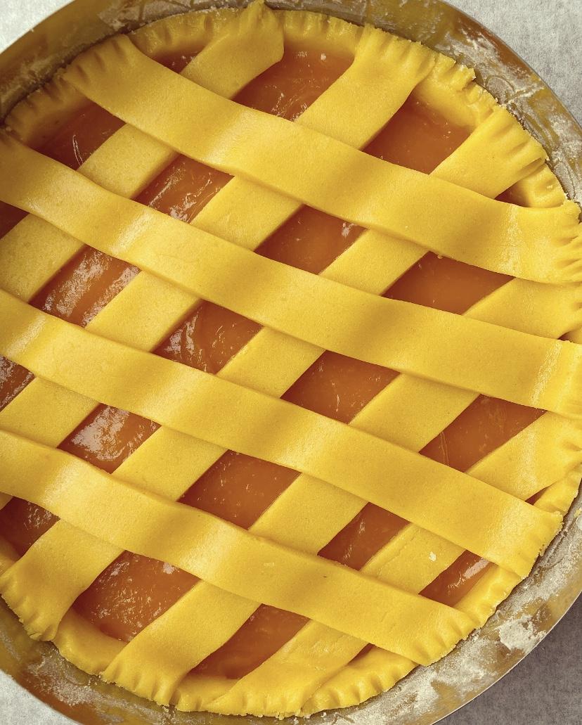 Crostata all'olio con marmellata di zucca e amaretto