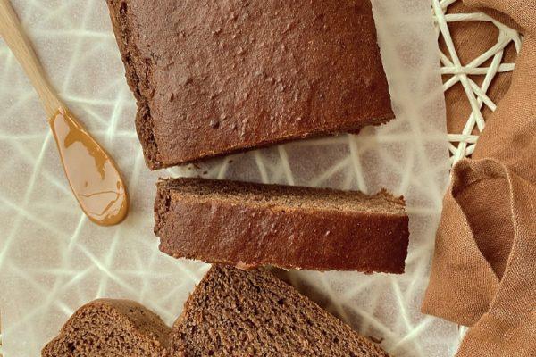 banana bread al burro di arachidi e cacao