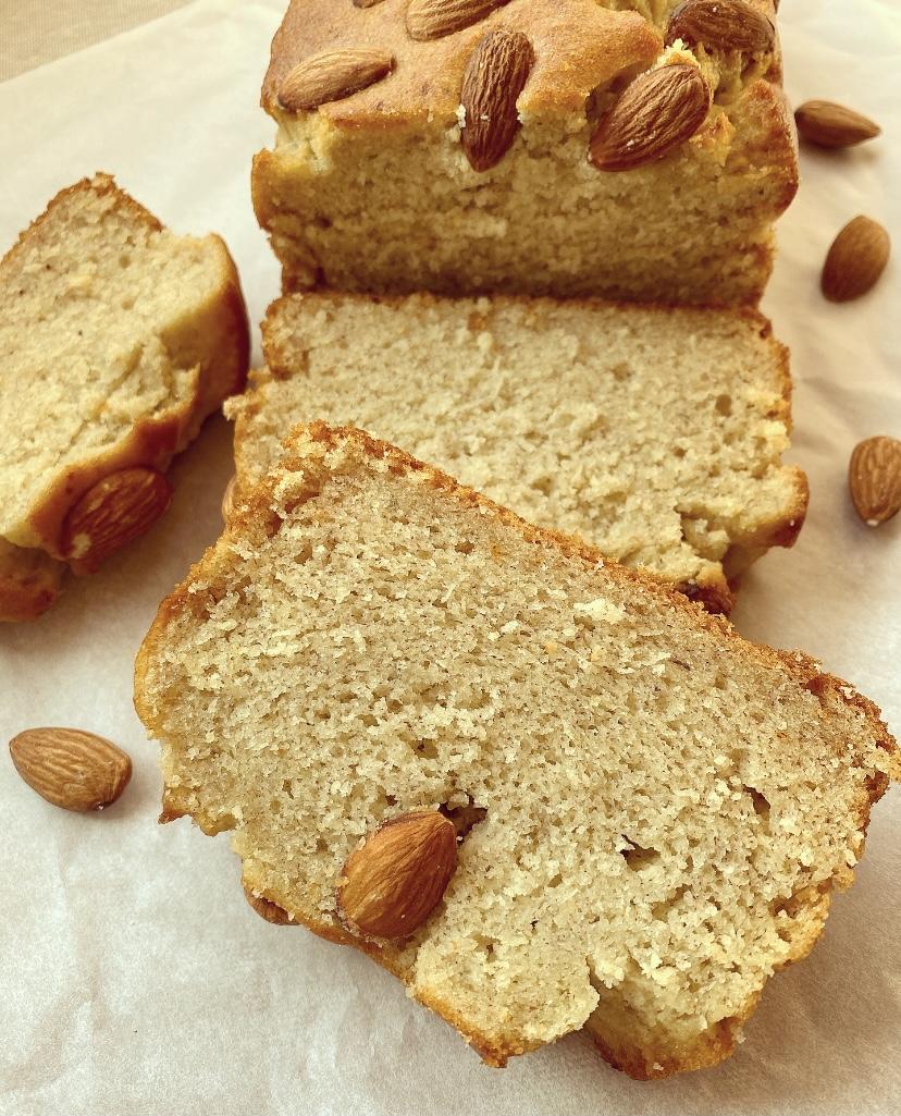Plumcake senza glutine alle banane e mandorle