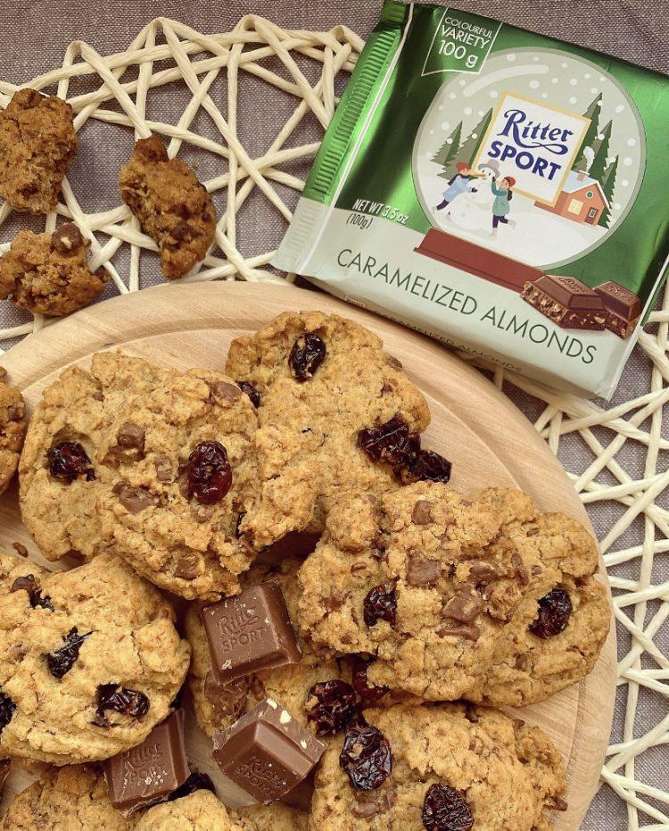 biscotti integrali con cioccolato e mirtilli