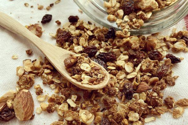 granola fatta in casa al cocco e cannella