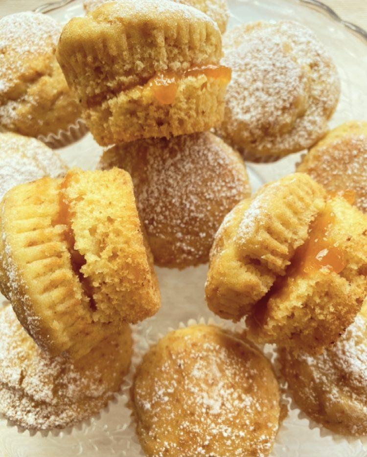 Muffin soffici alla marmellata di albicocche
