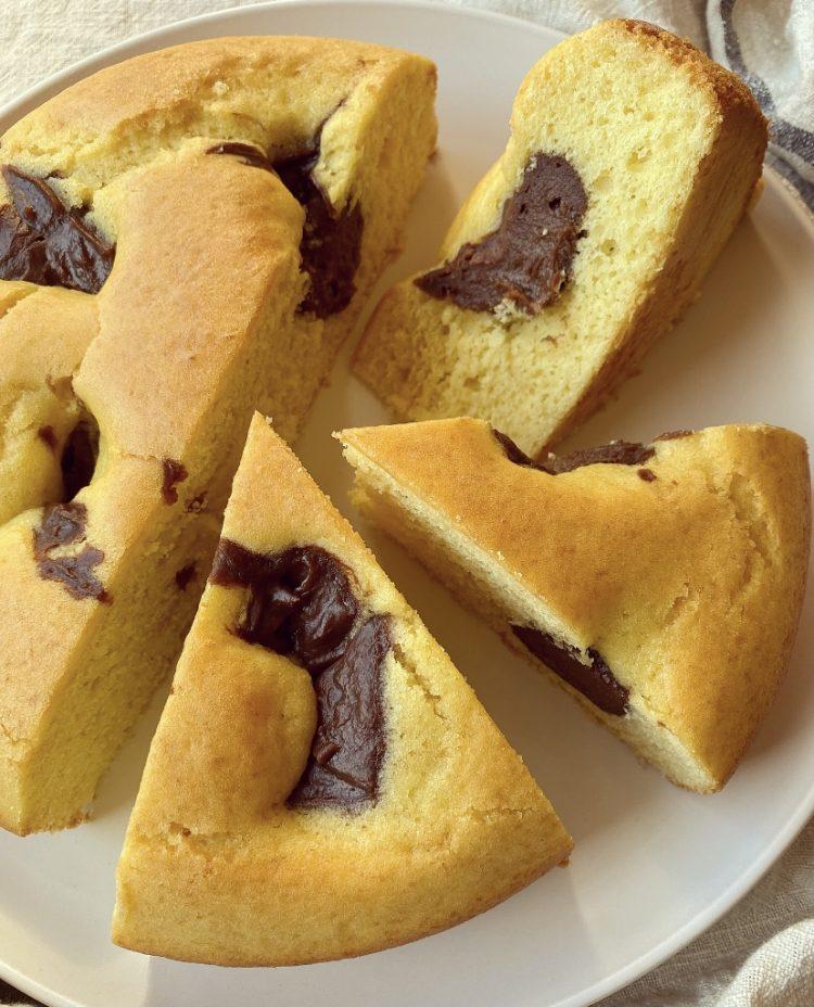 torta nua con crema al cioccolato