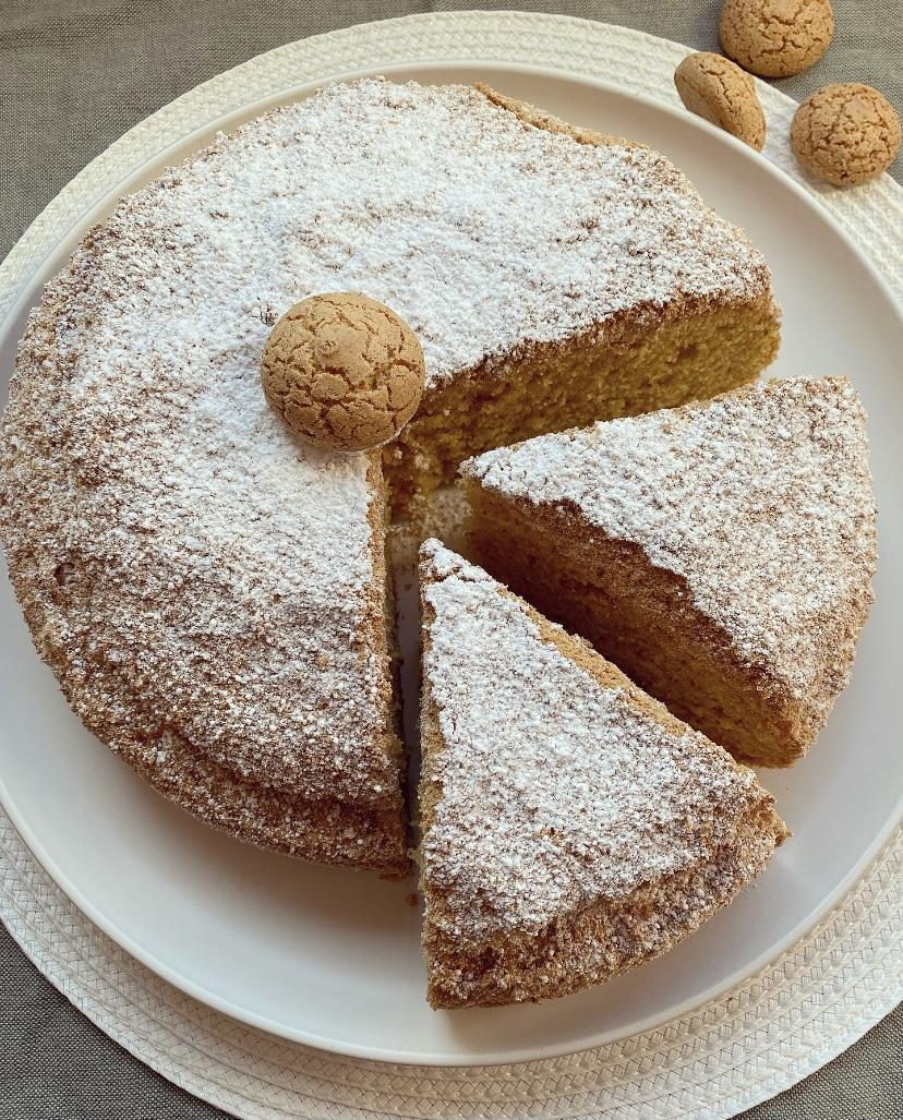 torta di amaretti soffice e golosa